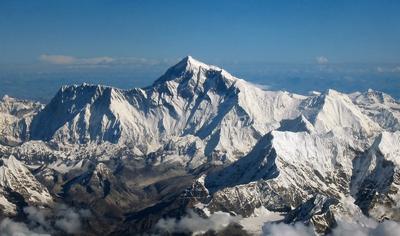 Эверест 2019 года: новый рекордный сезон на высочайшей вершине мира
