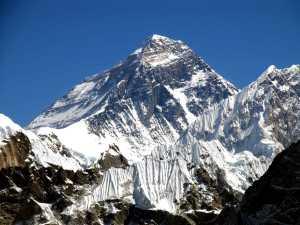 644 альпинистов из 48 стран поднялись на вершину Эвереста со стороны Непала весной 2019 года