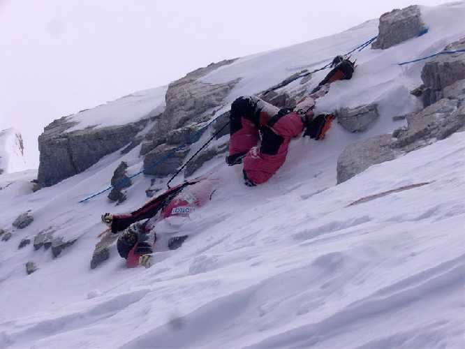 тело Марко Лихтенекера на Эвересте