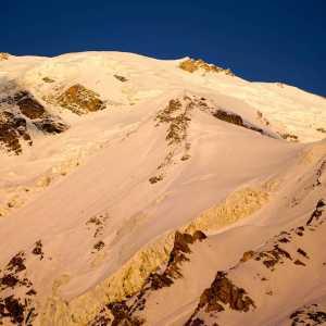 Саймон Месснер, сын легендарного Райнхольда Месснера, совершил первое в истории восхождение на вершину Тоше III (6200м) в Пакистане