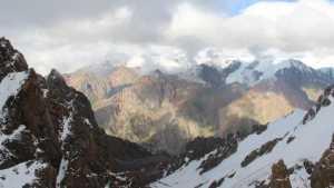 Украинский альпинист сорвался со скалы в горах Заилийского Алатау
