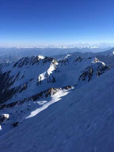 первовосхождение на вершину пика Тоше III (Toshe III) / Гешот Пик (Geshot Peak). Фото  Robert Neumeyer