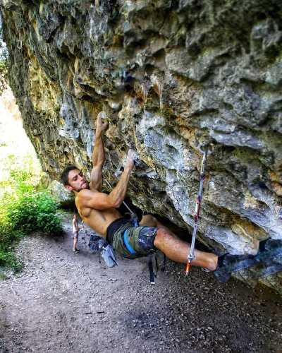 "Джонатан Флёр (Jonatan Flor) на маршруте ""Ali Hulk Extension Total"" категории 9а+"