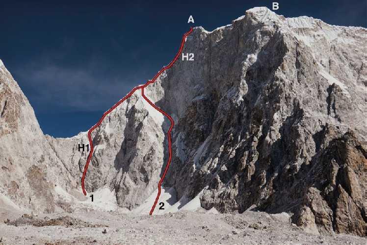 Лунаг Ри (Lunag Ri) / Лунаг I (Lunag I).  <br>1 - попытка восхождения 2015 года в паре с Конрадом Анкером<br>2 - соловосхождение Давида Ламы 2018 года<br>А - главная вершина (6895 м)<br>В - Юго-Восточная вершина