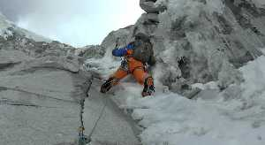 """Восхождение по маршруту """"BOYS 1970"""" на вершину горы Хуандой Северный (Huandoy North, 6360 м.) что расположена  в Кордильера-Бланка, Перу. Фото Marek Holecek"""
