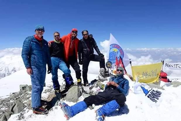украинские команды поднялись на вершину семитысячника пик Абу Али ибн Сина, 7134 м. (Пик Ленина)