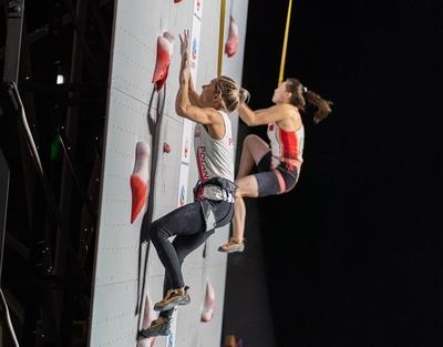 Людовико Фоссали и Александра Мирослав - победители Чемпионат Мира по скалолазанию в дисциплине скорость