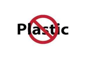 Власти Непала запретили альпинистам использовать пластик на Эвересте