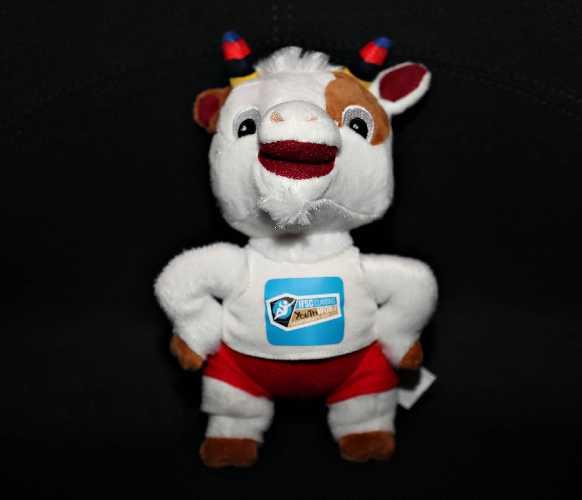 талисман фестиваля: коза «Рокки»