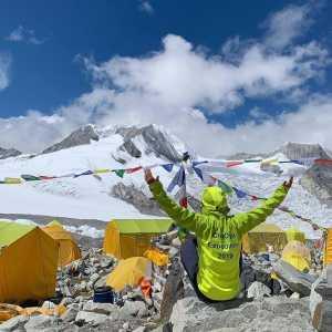 Украинский альпинист Тарас Поздний поднялся на вершину восьмитысячника Чо-Ойю!