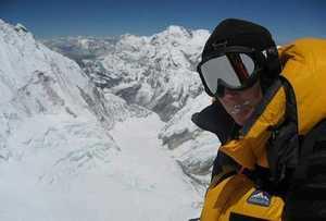 Итальянская альпинистка Кристина Пиолини сообщает о первом в истории лыжном спуске с вершины восьмитысячника Манаслу