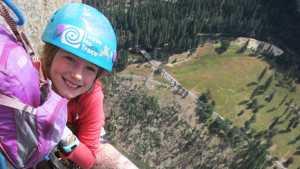 9-летняя девочка установила новый мировой рекорд, поднявшись на вершину 1000-метровой скалы Эль-Капитан