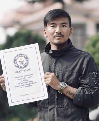 Мингма Гьябу на днях получил сертификат от Книги рекордов Гиннеса за восхождение в 2018 году на Эверест (22 мая) и K2 (21 июля) всего за 61 день