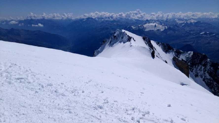 Выход на вершину со стороны Италии. Фото Владимир Каширин