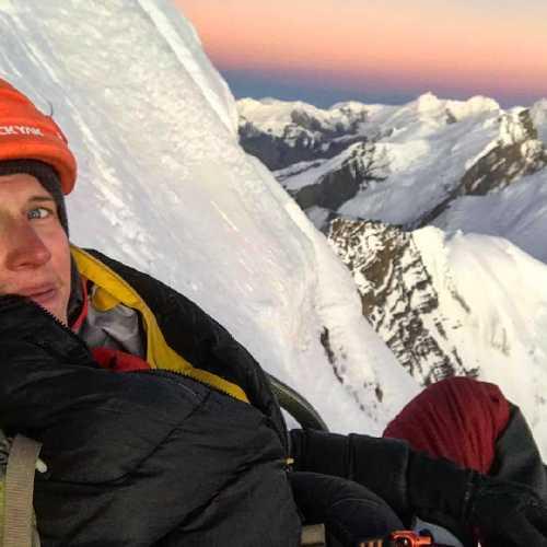 Йошт Кобуш (Jost Kobusch) на вершине горы Амотсанг (Amotsang) высотой 6939 метров