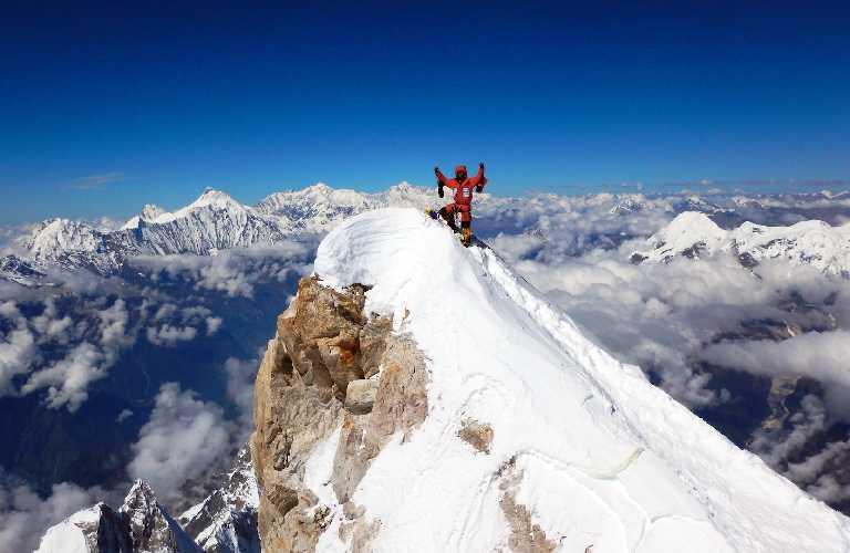 Данило Каллеражи (Danilo Callegari) - один из немногих альпинистов, который достиг истинной вершины Манаслу в 2016 году. Фото Danilo Callegari