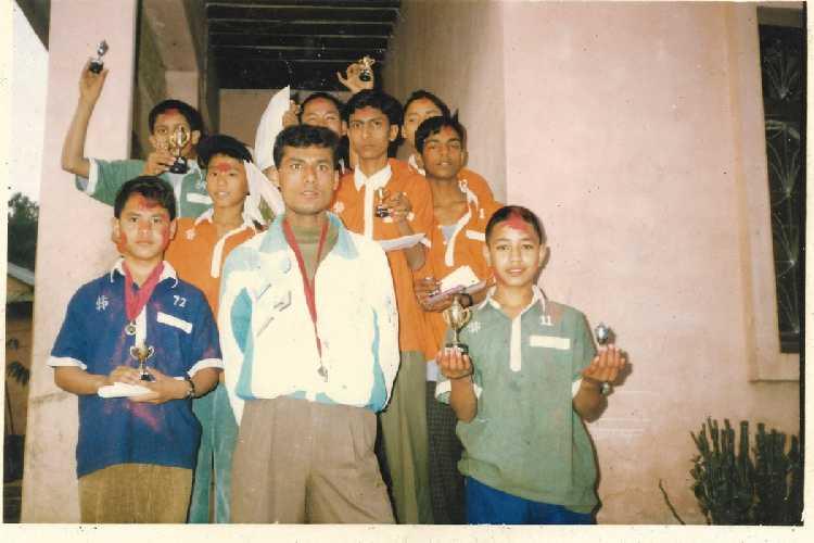 Нирмал Пуржа (Nirmal Purja) - школьник в Непале