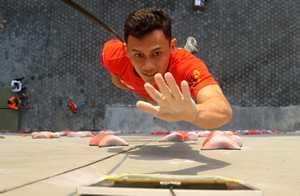 5,4 секунды - новый мировой рекорд в скалолазании в дисциплине скорость установил на Чемпионате Азии индонезиец Леонардо Веддрик