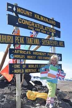 Новый рекорд на Килиманджаро: 6-летняя девочка Эшлин Мандрик дважды поднялась на вершину Африки