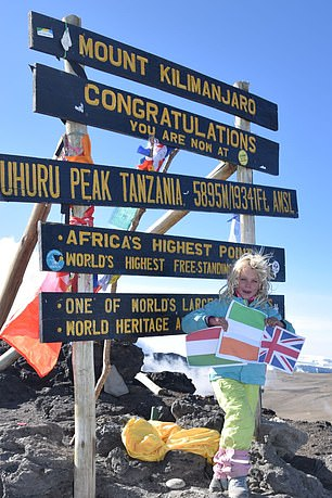 6-летняя Эшлин Мандрик (Ashleen Mandrick) на вершине Килиманджаро