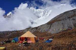 не пройденный юго-восточный гребень Аннапурна III ( Annapurna III 7555 метров). Фото Михаил Фомин