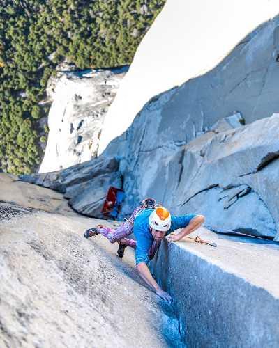 Себастьян Берт (Sébastien Berthe) на маршруте «The Nose» (5.14/8b+) на скале Эль-Капитан в США