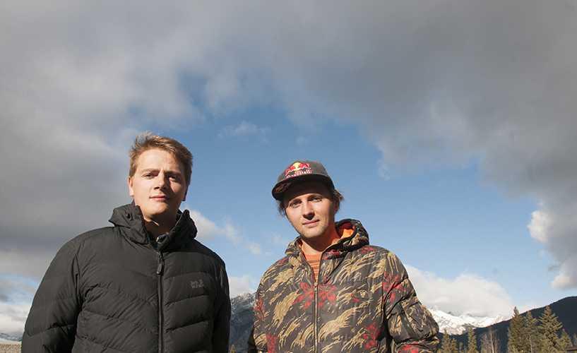 Бартек Баргель (Bartek Bargel) и Анджей Баргель (Andrzej Bargiel) на проходившем в канадском Банфе традиционном фестивале горных фильмов Banff Mountain Film. Фото  Jerry Kobalenko