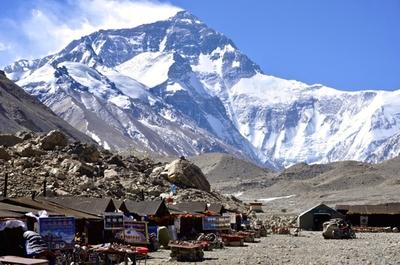 Китай повышает цены на восхождение на Эверест