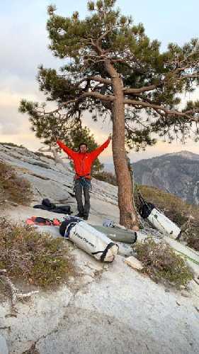 Барбара Зангерль (Barbara Zangerl) и Якопо Ларше (Jacopo Larcher) на маршруте «The Nose» (5.14/8b+) на самой знаменитой в США скале Эль-Капитане