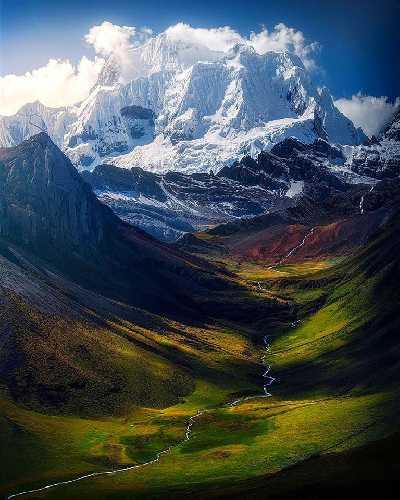 Ерупаха (исп. Yerupajá) высотой 6617 м
