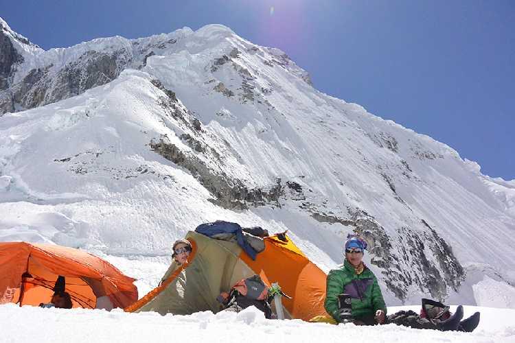 """Маршрут """"Peruana Supreme"""" (1000m, TD, AI4) по южной (юго-юго-восточной) стене горы Сиула Гранде (Siula Grande, 6368 метров) в Кордильера-Уайуаш в Перу"""
