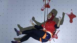 Человек-паук в хиджабе готовится к дебюту на Олимпиаде