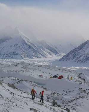 Зимняя экспедиция Дениса Урубко на Броуд-Пик: ожидание в базовом лагере