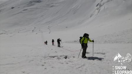 Ой как тяжелы последние метры до Лагеря 2 (5300 м)
