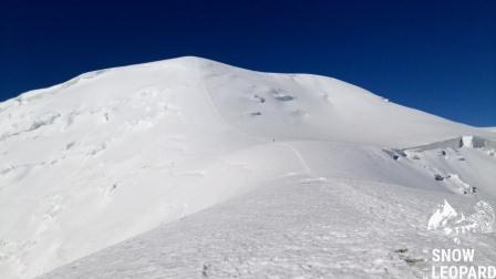 Нам туда, взлет к Лагерю 3 (6100 м) на вершине Раздельная