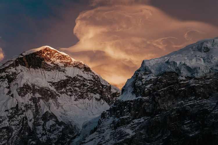Эверест. Фото Daniel Hug