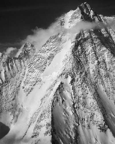 северо-западная стена горы Тайри (Mount Tyree) высотой 4852 метров