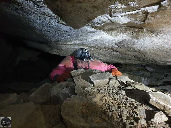 Якщо у вас боязнь бруду, кажанів, павуків та закритого простору - печери це саме то! :)