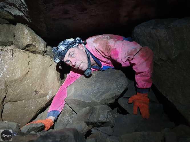 десь ось так по цій печері і ходиться. Тому 500 метрів такої акробатики це ой як багато.