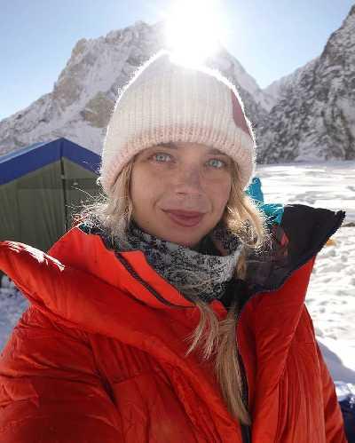 Лотте Някювя (Lotta Henriikka Näkyvä / Lotta Nakyva) в базовом лагере Броуд-Пик. 6 января 2020 года