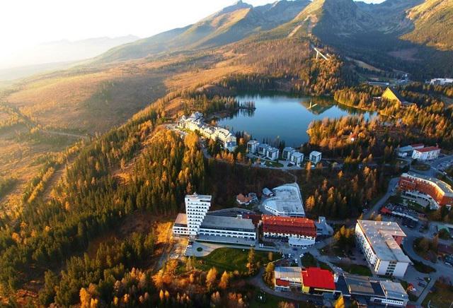 Зона отелей у озера Штрбске-Плесо, Словакия, Высокие Татры