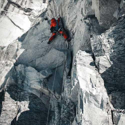 Йошт Кобуш (Jost Kobusch) в восхождении на Эверест. Фото Daniel Hug