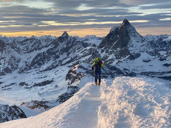 Сержи Минготе (Sergi Mingote) в восхождении на вершину Брайнхорн в Альпах. январь 2020. Фото Sergi Mingote