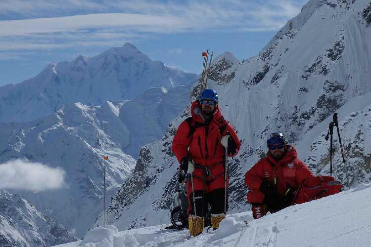 Филип Бабич (Filip Babicz) и Марко Швидергалл (Marco Schwidergall) у первого высотного лагеря. Фото Wojciech Flaczyński / PH