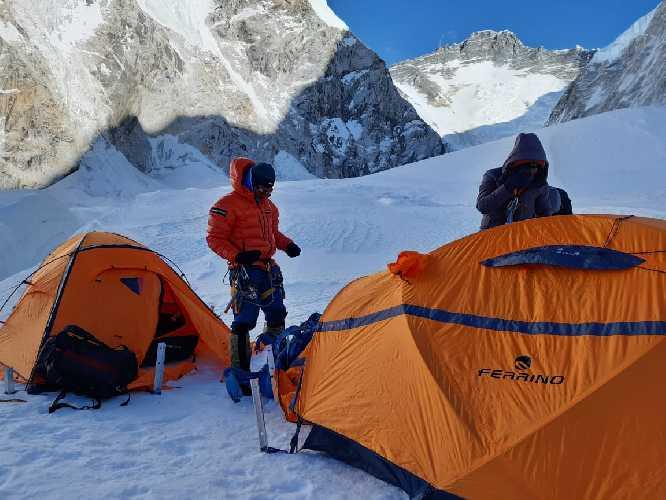 Лагерь 2 на Эвересте. Фото Alex Txikon