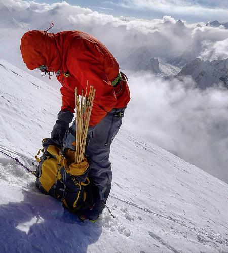 Денис Урубко на 7000 метрах на Броуд-Пик
