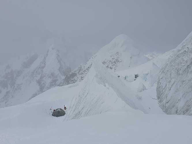 Второй высотный лагерь Батура Сар. Фото Marco Schwidergall