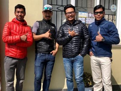 Эверест зимой за 5 дней: команда шерп идёт на вершину мира за мировым рекордом!
