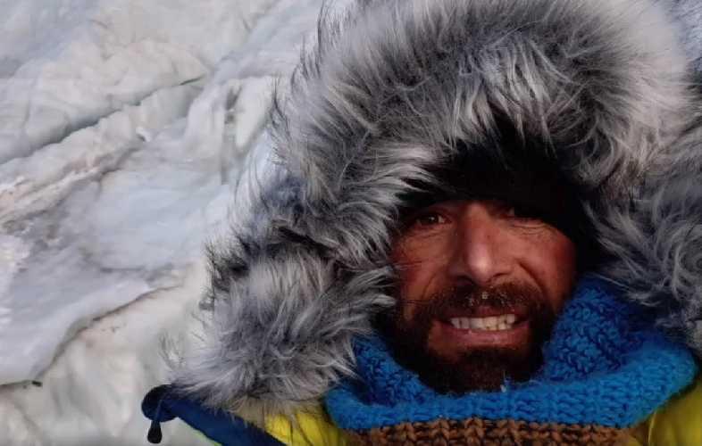 Алекс Тикон (Alex Txikon) на Эвересте. Фото Alex Txikon