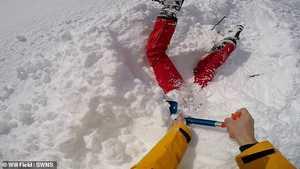 Чудесное спасение лыжника, попавшего под снег